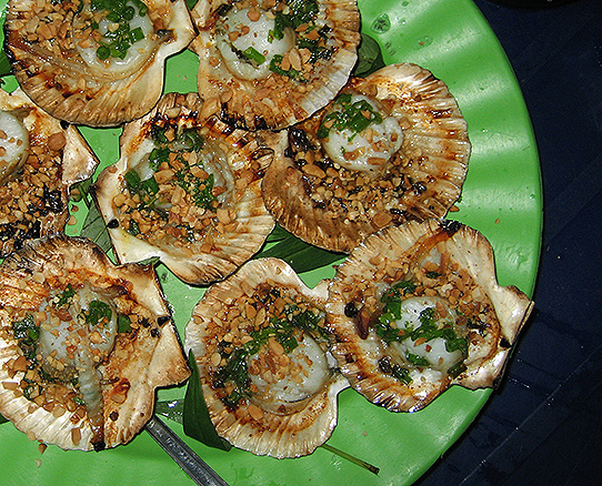 The Street Food of Saigon - Scallops and Razor Clams