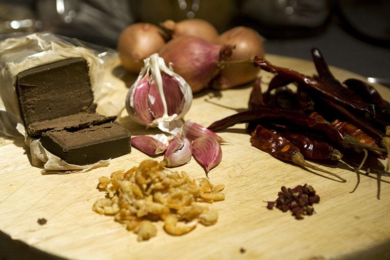 Chili sauce ingredients - serious umami