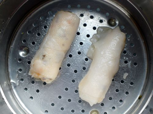 Steamed King Prawn and Roasted Garlic Spring Rolls